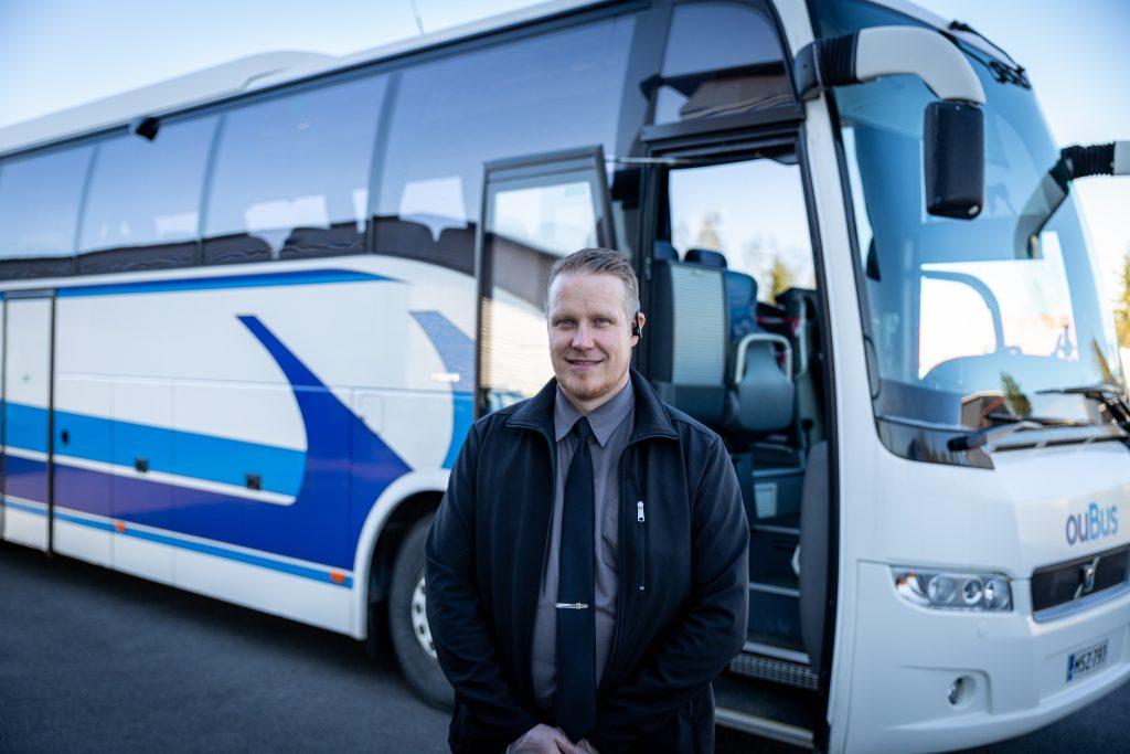 tilausajot tilausbussi ryhmäkuljetus henkilökuljetus oulu pohjois-pohjanmaa minibussi bussi linja-auto