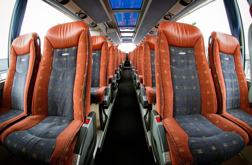 Setra Turistibussi siisti sisätila